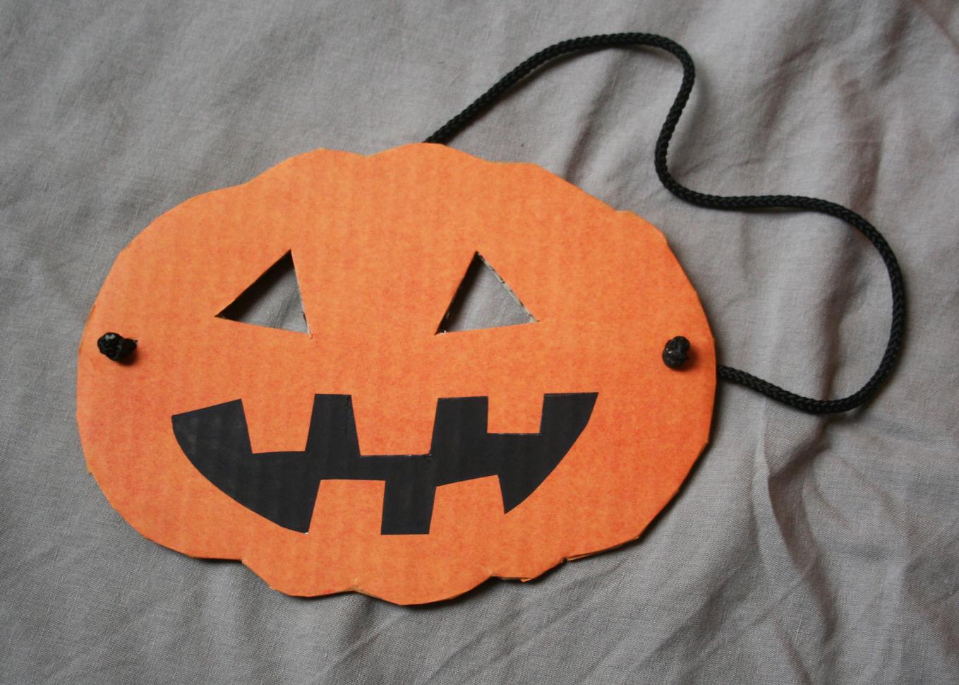 affordable masque halloween with masque citrouille halloween a imprimer. Black Bedroom Furniture Sets. Home Design Ideas