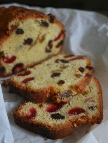 Cake-aux-fruits-et-raisins