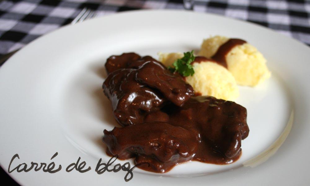 Civet de chevreuil grand veneur - Cuisiner epaule de chevreuil ...